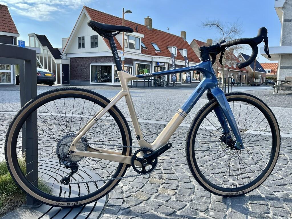 arcadex bianchi gravel bike