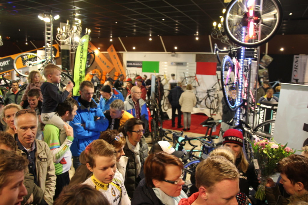 Beukers Bike Weekend Zaal Foto